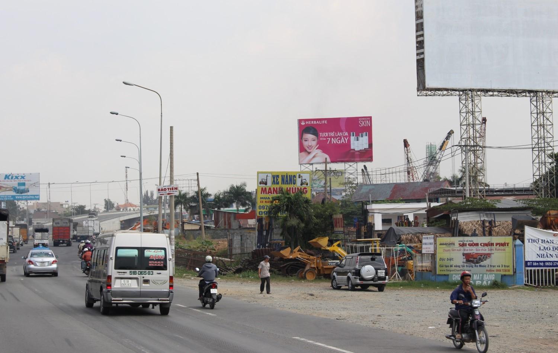 Chân cầu vượt Tân Vạn, Ngã 3 Tân Vạn, Bình Dương-BDS7-003