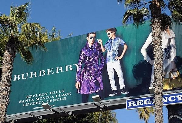 Bảng quảng cáo thời trang quần áo cần có nét gì đặc trưng